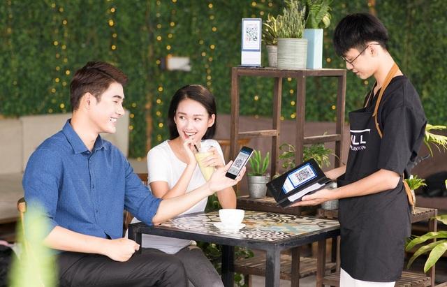 QR Pay là phương thức thanh toán đang được nhiều khách hàng lựa chọn thay thế cho tiền mặt hoặc thẻ ngân hàng