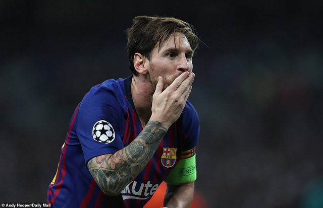 Tottenham 2-4 Barcelona: Messi rực sáng - 16