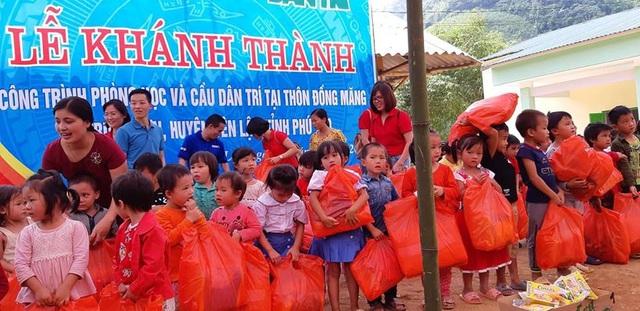 Khánh thành công trình phòng học và cầu Dân trí tại điểm trường Đồng Măng, Phú Thọ - Ảnh 9.