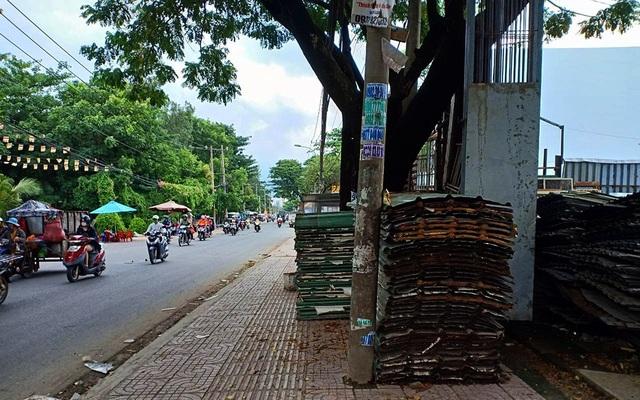 Một bãi tập kết tôn trên đường Bình Long