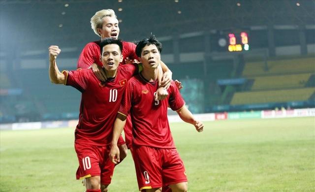 Không sử dụng cầu thủ nhập tịch, nhưng bóng đá Việt Nam mới là nền bóng đá tại Đông Nam Á gây tiếng vang lớn nhất ở các giải đấu tầm châu lục suốt 2 năm qua