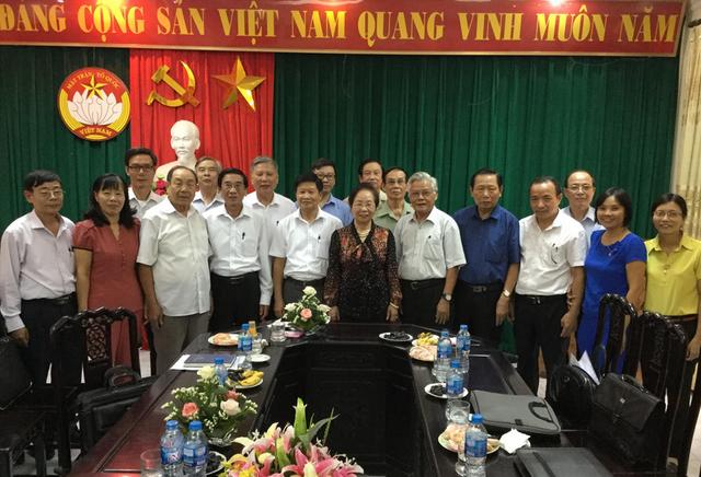 Chủ tịch Hội Khuyến học Việt Nam Nguyễn Thị Doan làm việc với Hội Khuyến học tỉnh Hà Nam