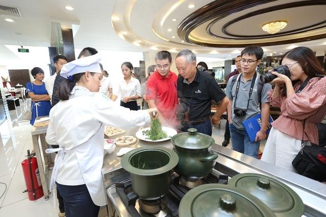 Trải nghiệm thực phẩm nấu chín từ nồi dưỡng sinh Minh Long với đầu bếp Trần Ngọc Nghĩa