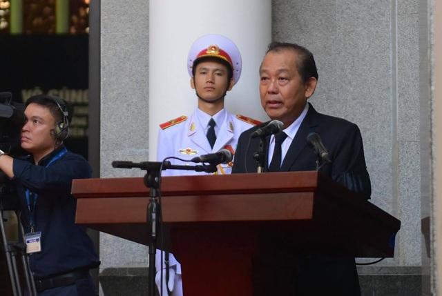 Phó Thủ tướng Trương Hoà Bình tuyên bố bắt đầu lễ viếng nguyên Tổng Bí thư Đỗ Mười.