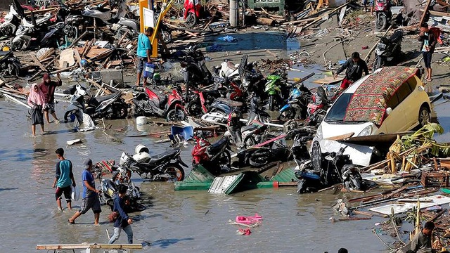 Sóng thần là nguyên nhân chính gây chết nhiều nhất trong thảm họa chiều 28-9. Ảnh: AAP