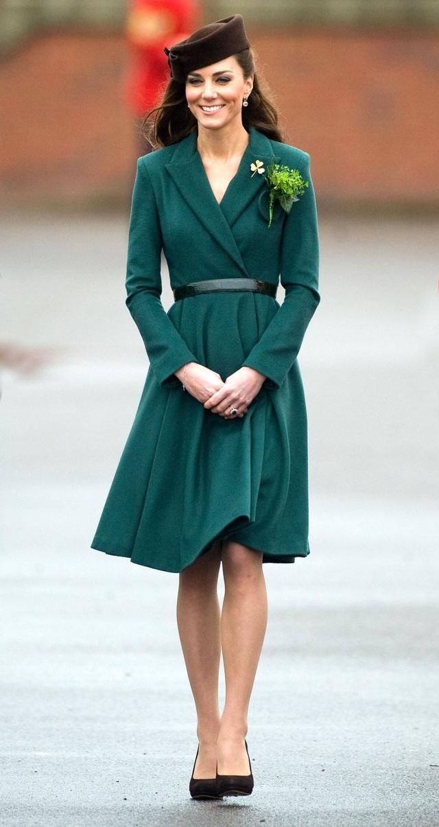 Kate Middleton nhiều lần được bình chọn là một trong những phụ nữ mặc đẹp nhất nước Anh