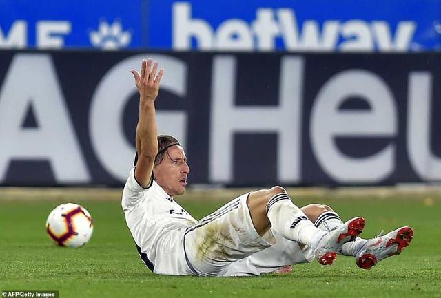 Luka Modric tiếp tục có một trận đấu gây thất vọng