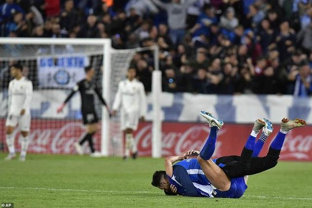Gục ngã trước Alaves, Real Madrid rơi vào khủng hoảng - 11