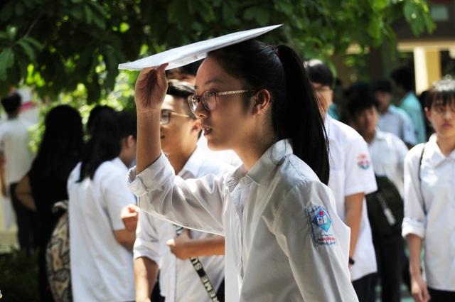 Học sinh dự thi lớp 10 THPT tại Hà Nội năm 2018. (Ảnh: Mỹ Hà).