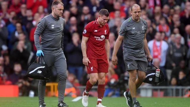 Milner rời sân do chấn thương