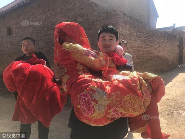 Cặp đôi được nhiều người ngưỡng mộ tại tỉnh Sơn Tây (Trung Quốc).