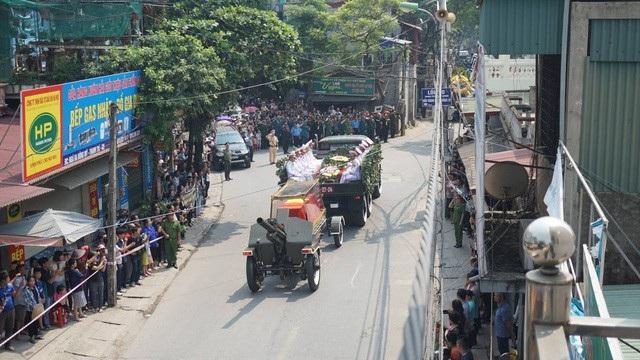 Linh cữu nguyên Tổng Bí thư Đỗ Mười đã về quê nhà Thanh Trì - 9