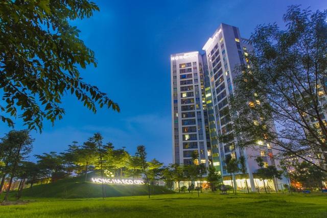 Cư dân của Hồng Hà Eco City không chỉ được sở hữu căn hộ mà còn sở hữu cả một không gian sống xanh, với quần thể sinh thái khép kín, an ninh 5 lớp.