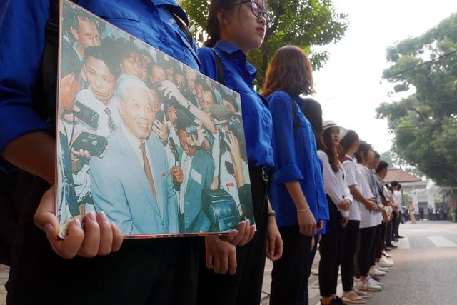 Linh cữu nguyên Tổng Bí thư Đỗ Mười đã về quê nhà Thanh Trì - 63