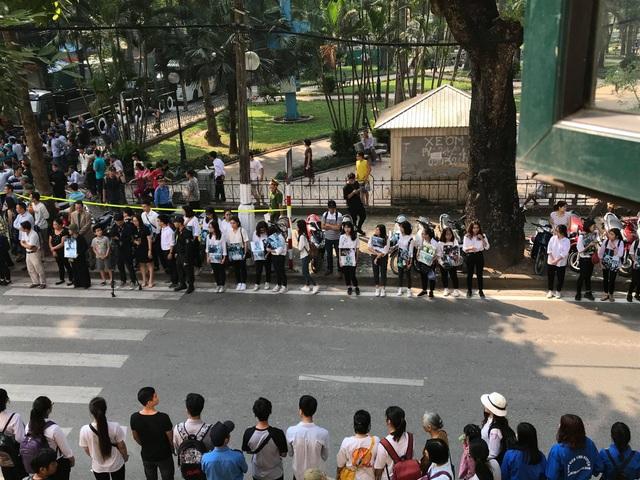 Linh cữu nguyên Tổng Bí thư Đỗ Mười đã về quê nhà Thanh Trì - 55