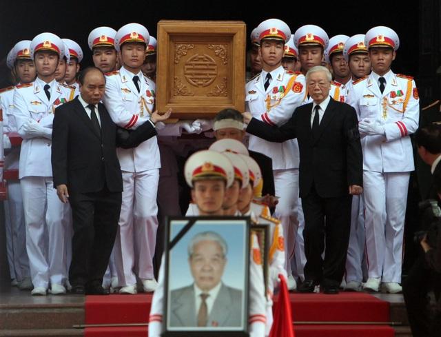 Linh cữu nguyên Tổng Bí thư Đỗ Mười đã về quê nhà Thanh Trì - 45