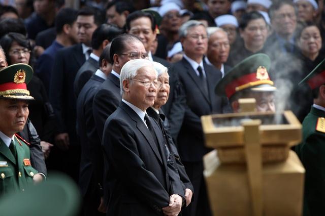 Linh cữu nguyên Tổng Bí thư Đỗ Mười đã về quê nhà Thanh Trì - 37