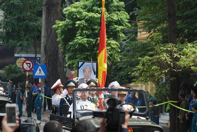 Linh cữu nguyên Tổng Bí thư Đỗ Mười đã về quê nhà Thanh Trì - 32