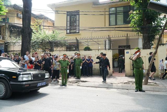 Linh cữu nguyên Tổng Bí thư Đỗ Mười đã về quê nhà Thanh Trì - 30
