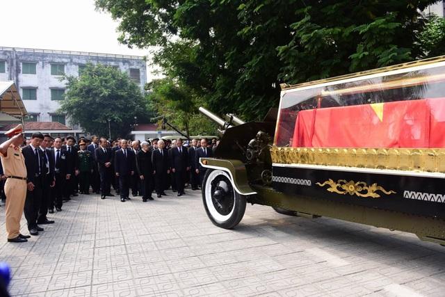 Linh cữu nguyên Tổng Bí thư Đỗ Mười đã về quê nhà Thanh Trì - 40