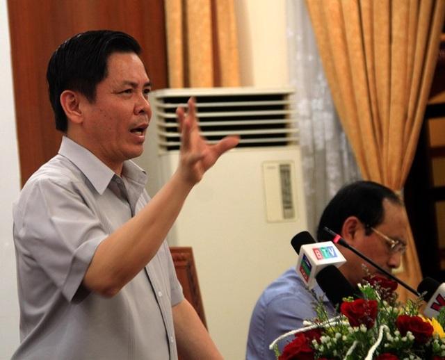 Bộ trưởng Nguyễn Văn Thể: Nếu QL1 hỏng, chậm sửa chữa thì phải dừng ngay việc thu phí đảm bảo quyền lợi người dân khi sử dụng dịch vụ.