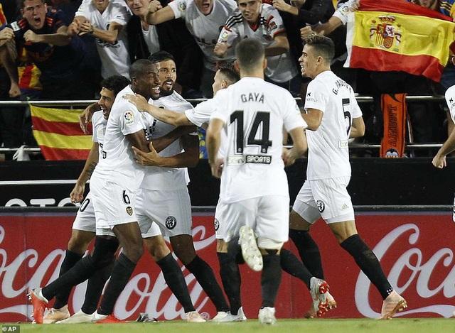Valencia đã cho thấy sự sắc sảo khi được thi đấu tại Mestalla