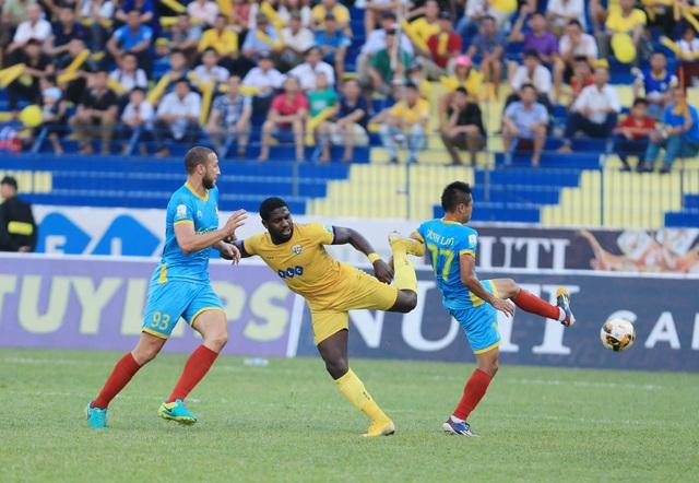 Rimario ghi bàn thắng duy nhất của trận đấu cho FLC Thanh Hóa - Ảnh: Gia Hưng