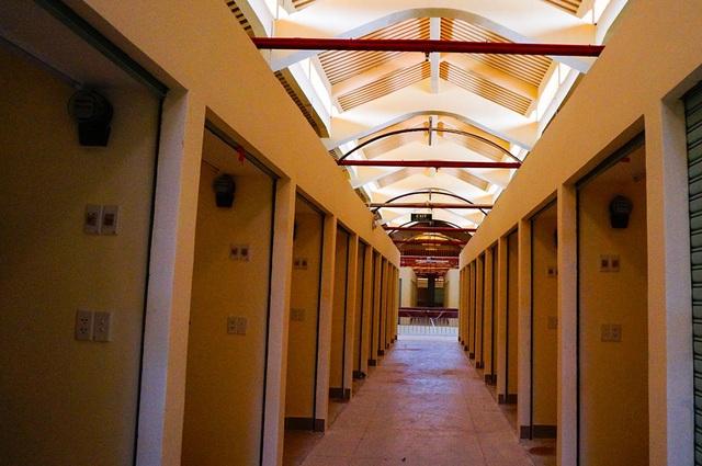 Hơn 1.000 sạp hàng được sửa mới, đầy đủ hệ thống điện và thông gió.