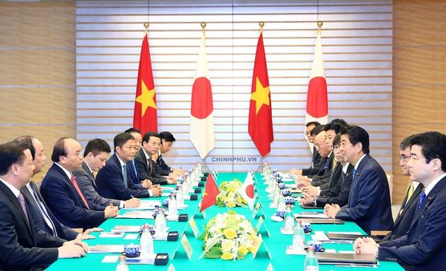Thủ tướng Nguyễn Xuân Phúc hội đàm với Thủ tướng Nhật Bản Shinzo Abe (ảnh: VGP)
