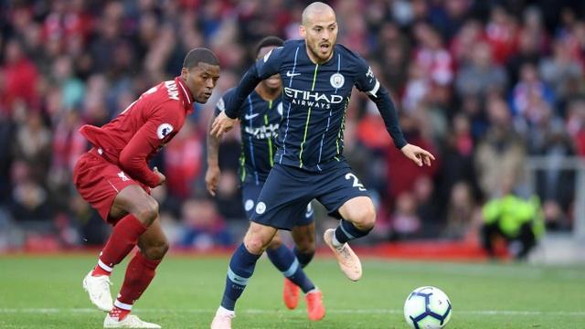 Man City sử dụng hai cầu thủ mang họ Silva, ngoài Bernardo còn có David (phải)