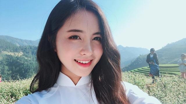 Dân mạng tấm tắc khen ngợi Thu Trang có gương mặt khả ái, gây thiện cảm. Cô mặc trang phục truyền thống nào cũng được yêu thích.