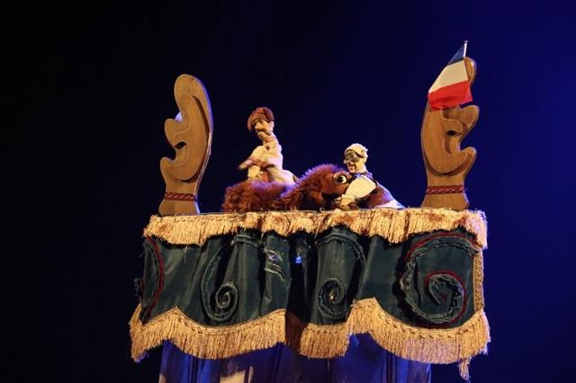 Tiết mục dự thi của Nhà hát Múa Rối Tarabates - Cộng hòa Pháp.