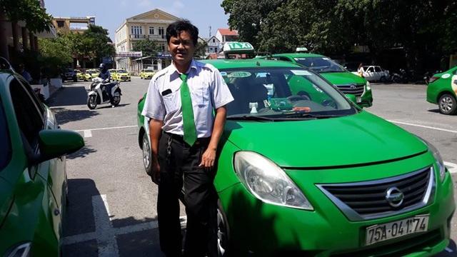 Lái xe Nguyễn Tăng Quang đỡ đẻ cho sản phụ thành công ngay trên xe taxi