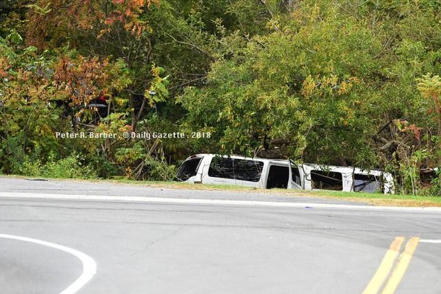 Hình ảnh chiếc limousine ở hiện trường vụ tai nạn (Nguồn: Twitter)