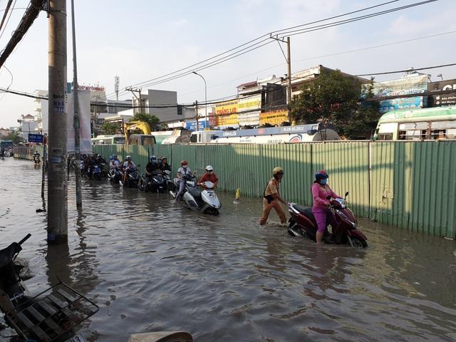 Triều cường bủa vây Sài Gòn, Cần Thơ - 10