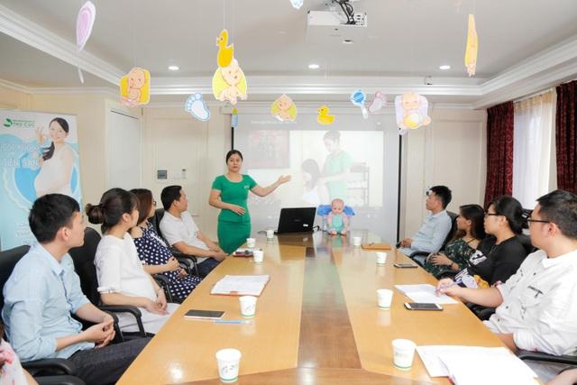 Mẹ bầu được tư vấn đầy đủ kiến thức cho thai kỳ khỏe mạnh khi đăng ký thai sản trọn gói tại bệnh viện ĐKQT Thu Cúc