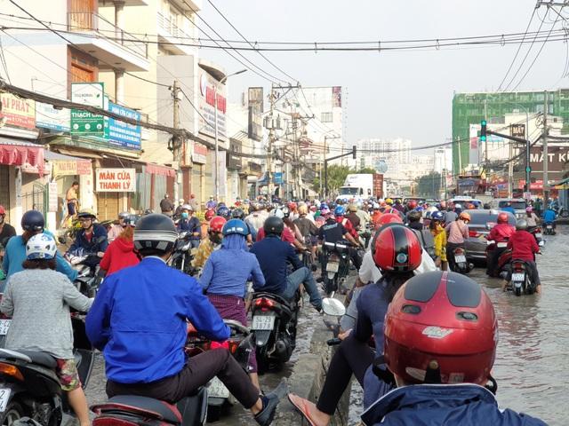 Triều cường bủa vây Sài Gòn, Cần Thơ - 16