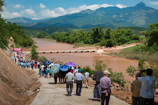 Toàn cảnh cầu tràn và một phần sông Kỳ Cùng tại xã Tú Đoạn, huyện Lộc Bình, tỉnh Lạng Sơn