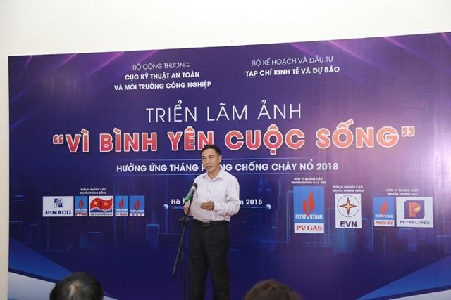 PGS, TS Lê Xuân Đình tại buổi Khai mạc