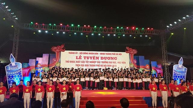 88 thủ khoa các trường ĐH, Học viện trên địa bàn Hà Nội được vinh danh.