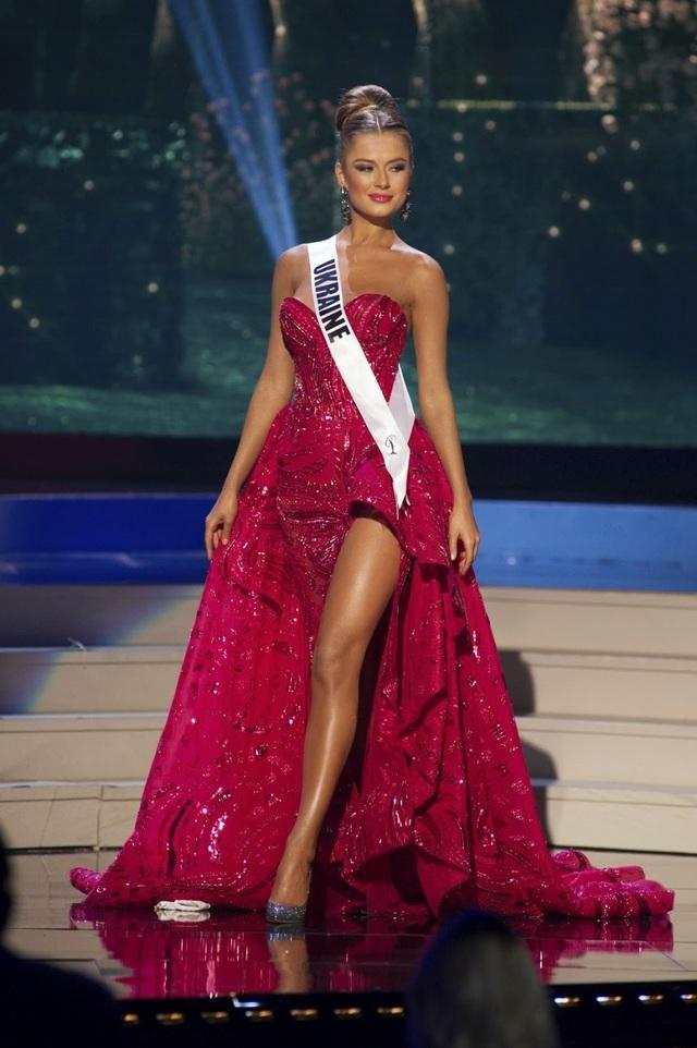 Hoa hậu Ukraine - Anna Poslavska - đoạt ngôi vị Á hậu 3