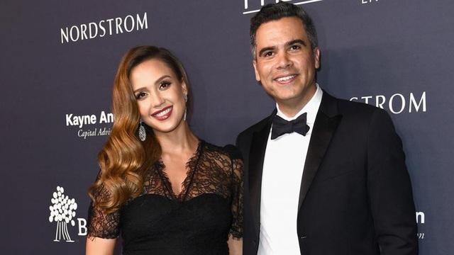 Nữ diễn viên Jessica Alba và chồng