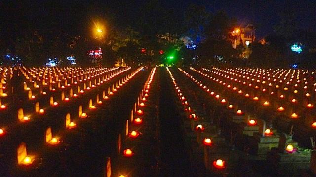 Một góc nghĩa trang liệt sĩ quốc tế Việt - Lào.