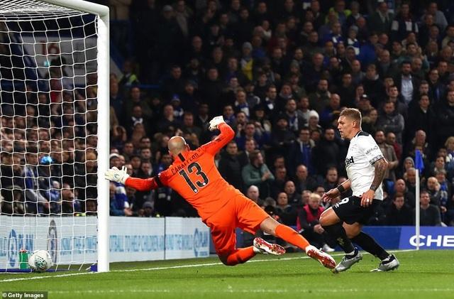 Lợi thế của Chelsea không dài, Waghorn đã lần thứ hai giúp Derby gỡ hòa sau khi Chelsea vượt lên trong thời gian ngắn