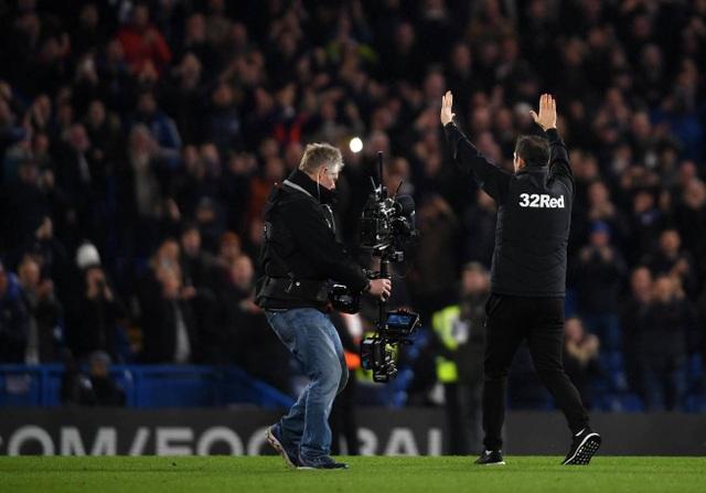 Lampard cảm ơn người hâm mộ Chelsea đã luôn ủng hộ anh sau trận đấu
