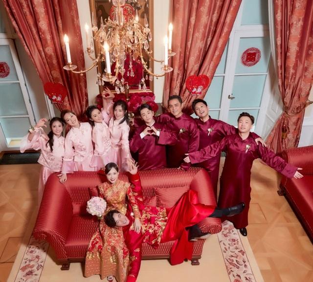 Kể từ khi công khai mối quan hệ, thông báo về lễ cưới, Đường Yên và La Tấn đã nhận được vô số những lời chúc phúc từ người hâm mộ và bạn bè trong làng giải trí. Hiện tại, người hâm mộ đang chờ đợi tiệc cưới chính thức của cặp đôi La Tấn và Đường Yên.