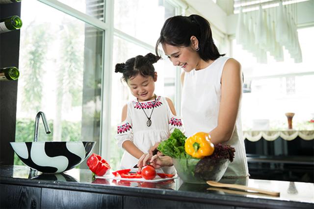 Học Hoa hậu Hương Giang cách nuôi dưỡng tiềm năng của con - 2