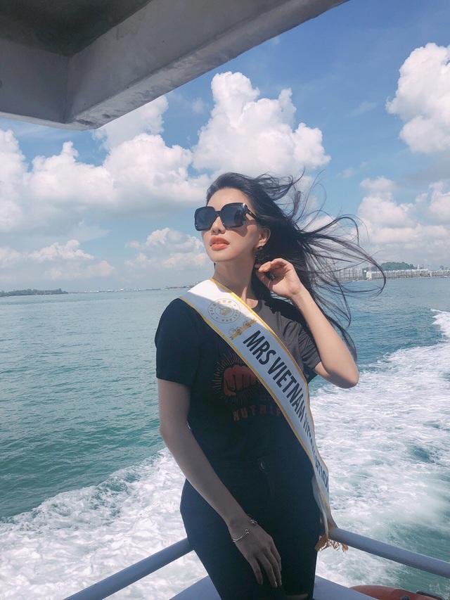 Loan Vương diện áo dài, nón lá giới thiệu về Việt Nam tại Mrs International 2018 - 1