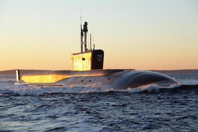 Vladimir Monomakh là tàu ngầm mang tên lửa đạn đạo lớp Borei thế hệ 4 của Nga. Tàu được trang bị 16 tên lửa đạn đạo phóng từ tàu ngầm mới nhất.