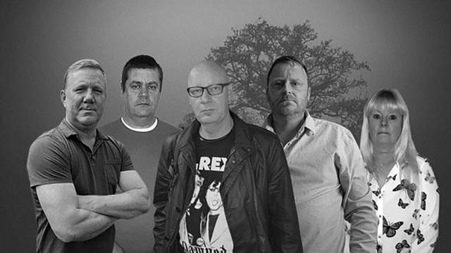 5 thành viên trong nhóm điều tra độc lập có tên Ghostech Paranormal Investigations.